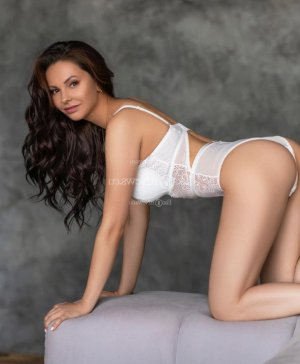 Marie-murielle call girls in Marinette