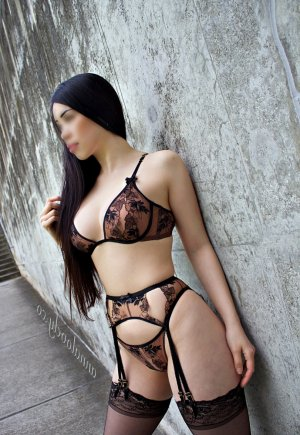 Melisende escorts in Burton Michigan